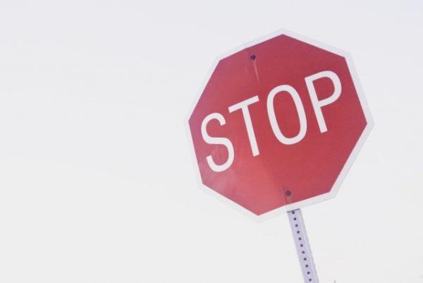 【ライブ配信規約】アカウント停止も!?公式ライバーになる前に配信ルールをチェック