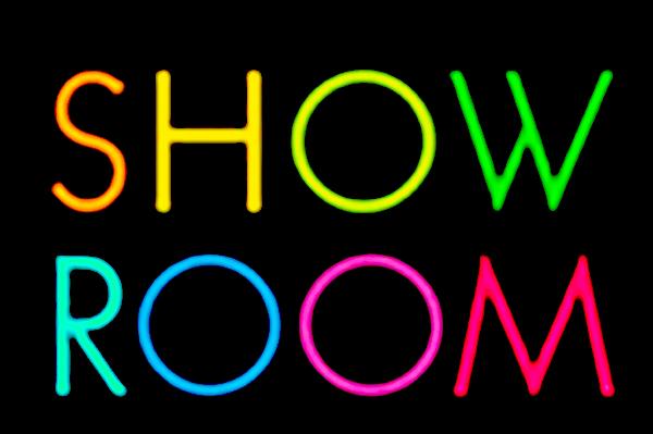 【SHOWROOM】生放送の仮想ステージからライブ配信を届けよう