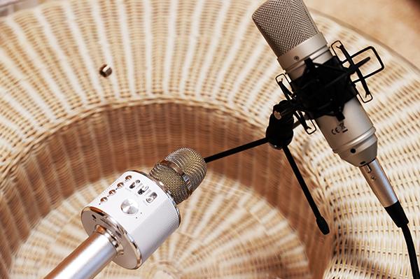 【カラオケ配信】ライブ配信アプリのカラオケ機能でコンサート気分になろう
